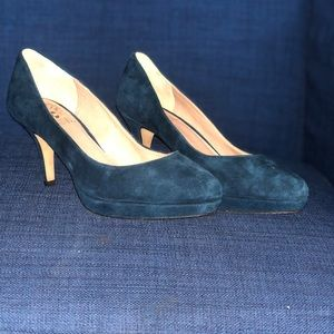 Vince camuto blue suede heels size 6 new!!